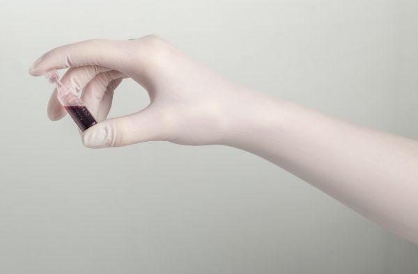 SHIELD SKIN XTREME STERILE WHITE NITRILE 400 DI+ - GUANTES DE NITRILO ESTERILES